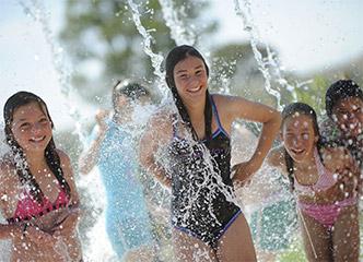 Kids playing at Aquamoves splash park